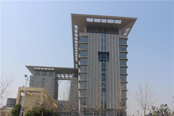 中铁四局科技大楼使用闪银氟碳铝单板案例
