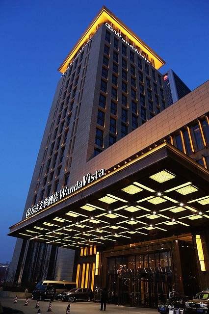 沈阳万达文华酒店使用金锐氟碳铝单板案例