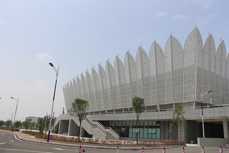 霍邱体育中心使用氟碳铝单板、异形铝单板,冲孔铝单板案例