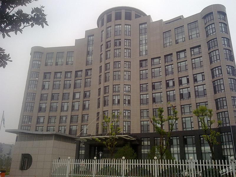国家电网安徽蚌埠办公大楼使用金锐硅钙板饰面保温一体板案例