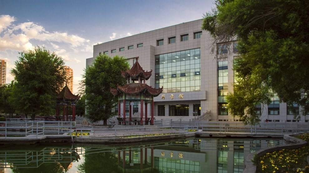石河子大学图书馆使用金锐硅钙板复合挤塑板案例